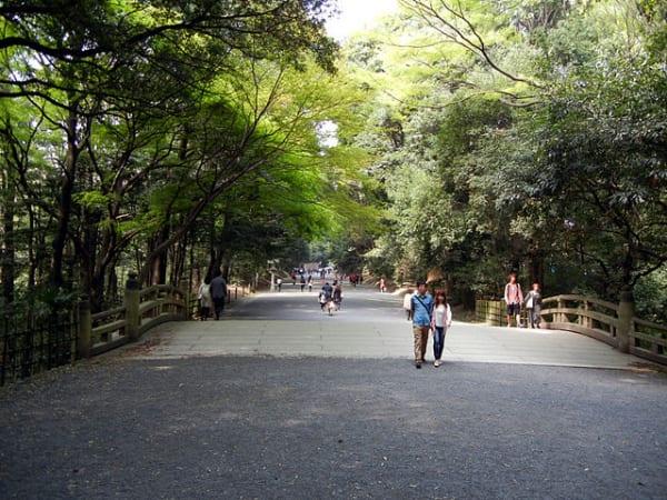 640px-明治神宮参道
