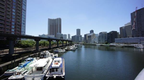 芝浦アイランドの運河とボート