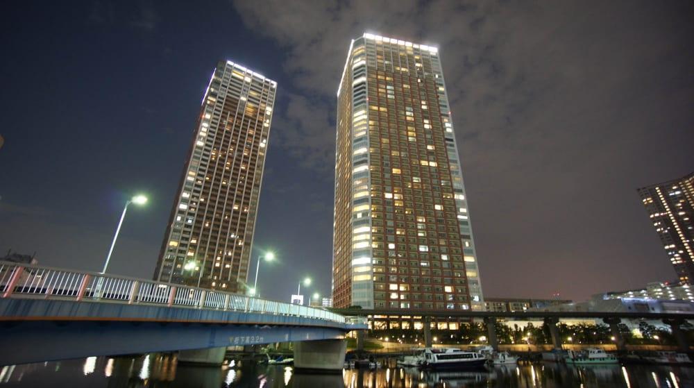 芝浦アイランドグローヴタワーの夜景とライトアップ