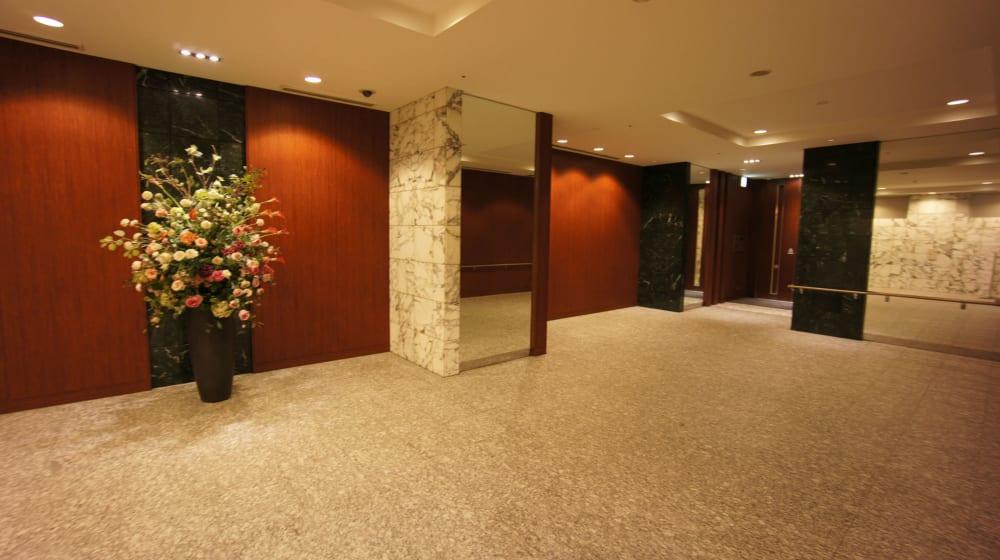 ザ東京タワーズのエレベーターホールに至る道