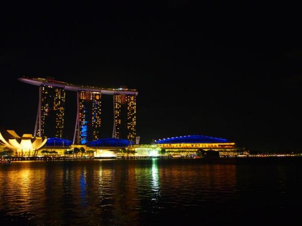 【シンガポール】マリーナベイサンズの傾きを現地調査してきた