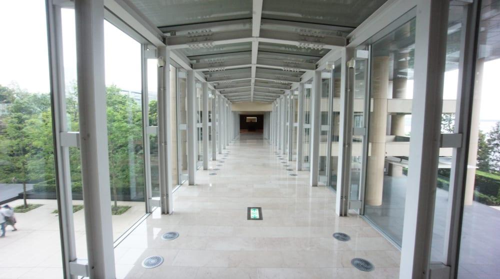 アネックス棟への廊下の様子