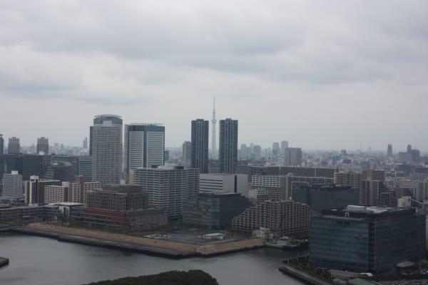 シティタワー有明のロビー(豊洲方面・スカイタワー眺望)