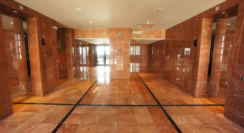 ガレリアグランデ 最上階のエレベーターホール