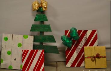 すのこで作った簡単クリスマスツリー