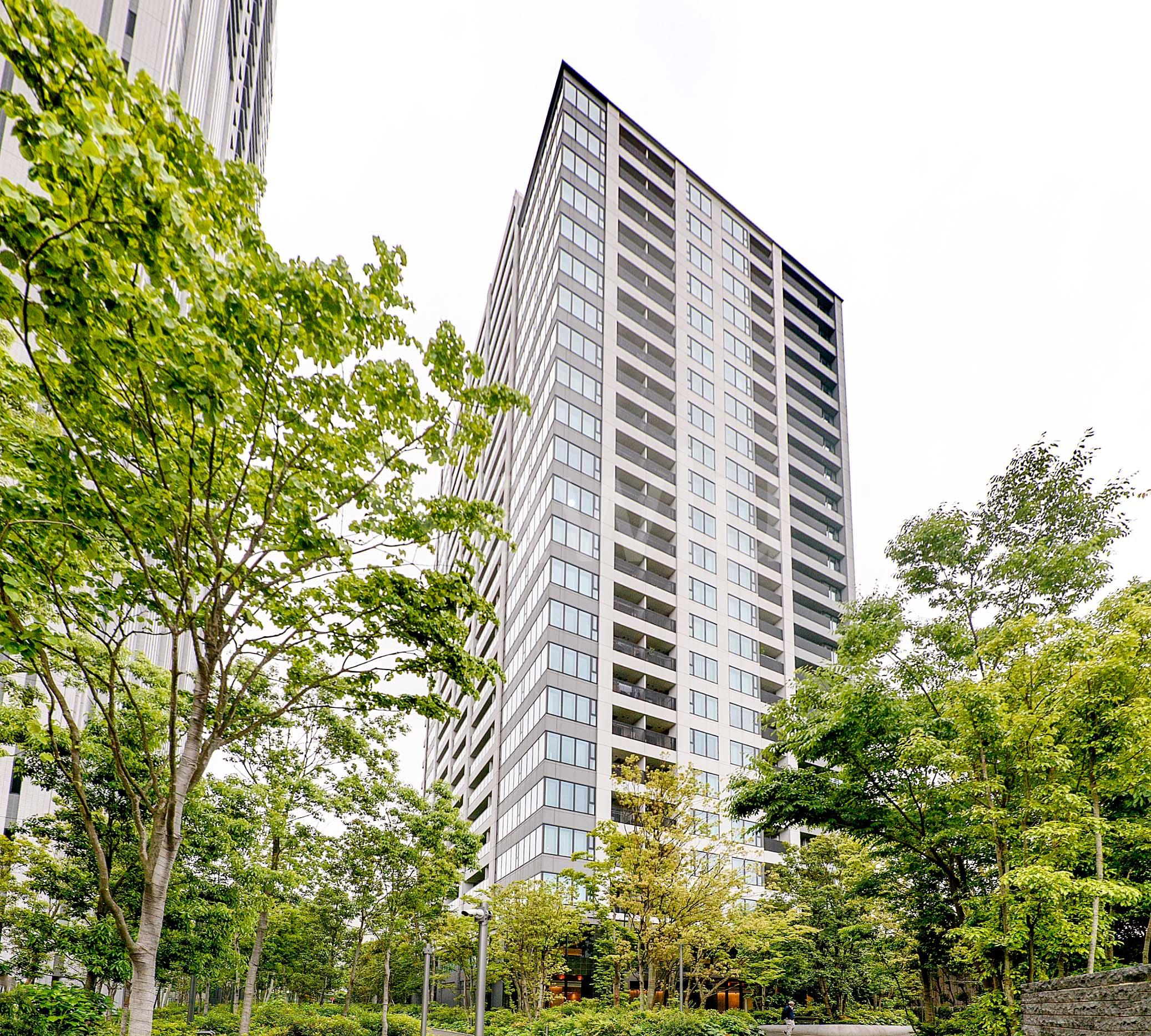 スカイフォレストレジデンスは、高田馬場にそびえ立つ緑豊かなタワーマンション!