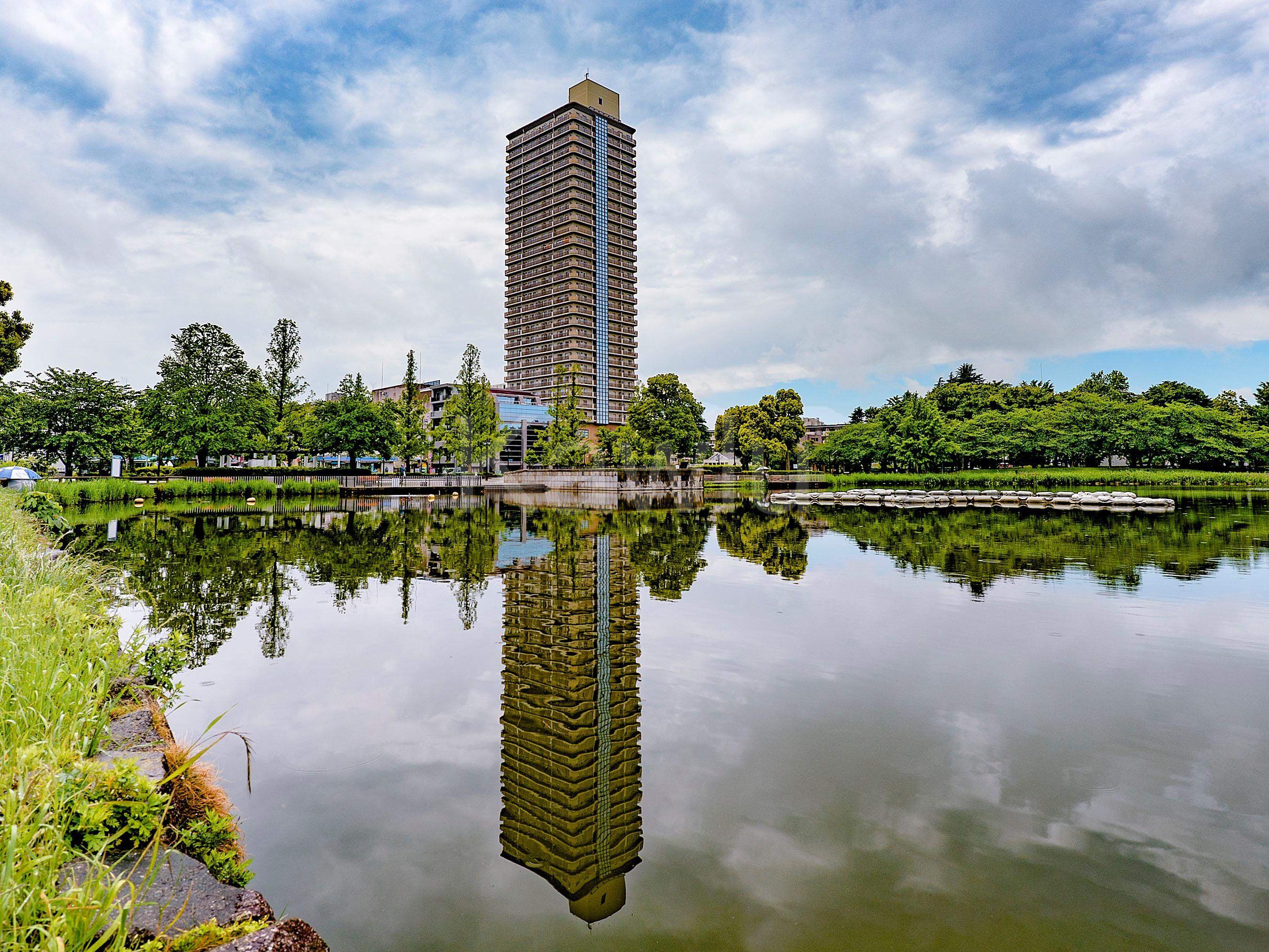 アイ・タワーは駅まで1分、公園まで1分、利便性と環境のいいとこどりのタワーマンション!