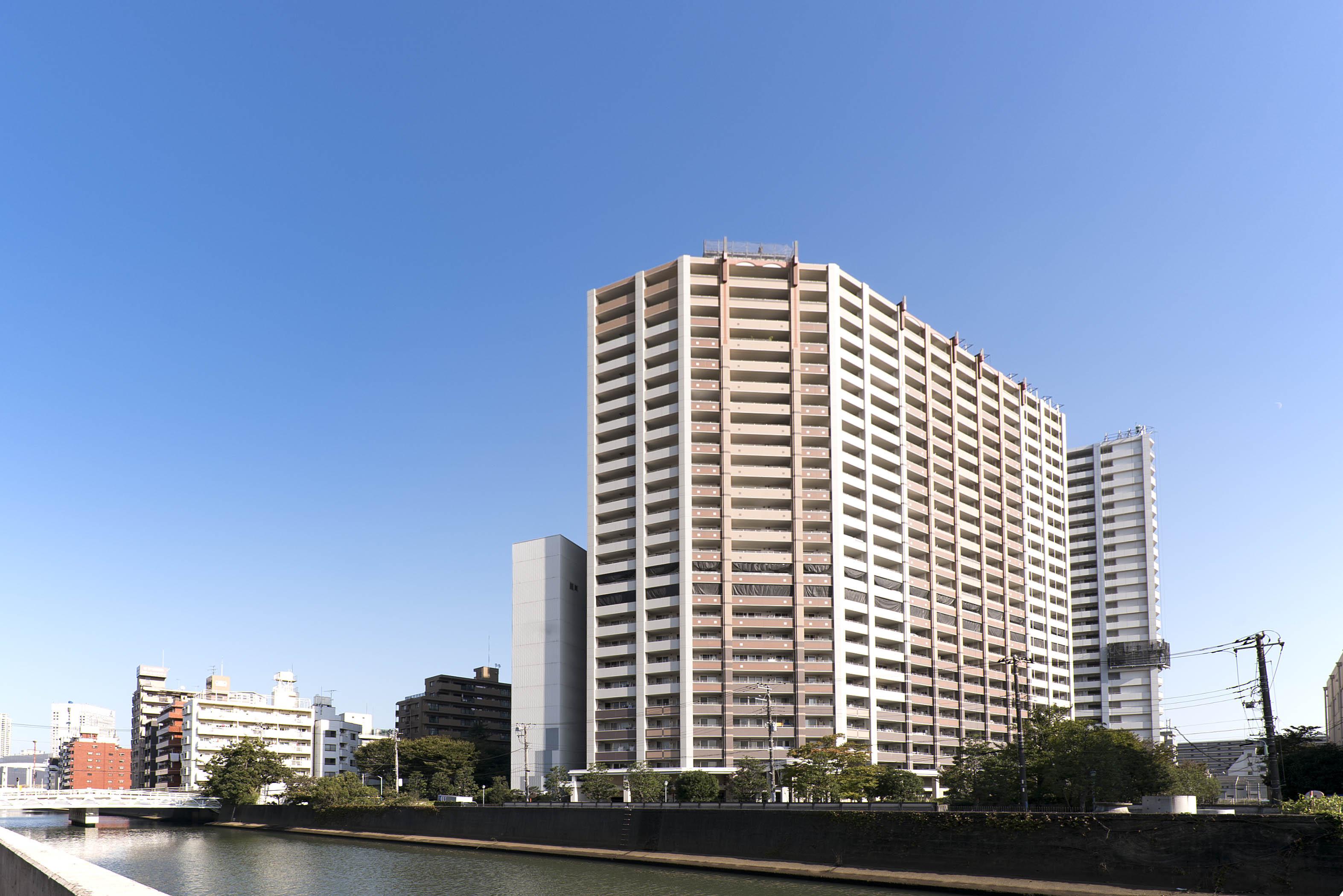 ヨコハマタワーリングスクエアは、アクセス良好な大規模タワーマンション!