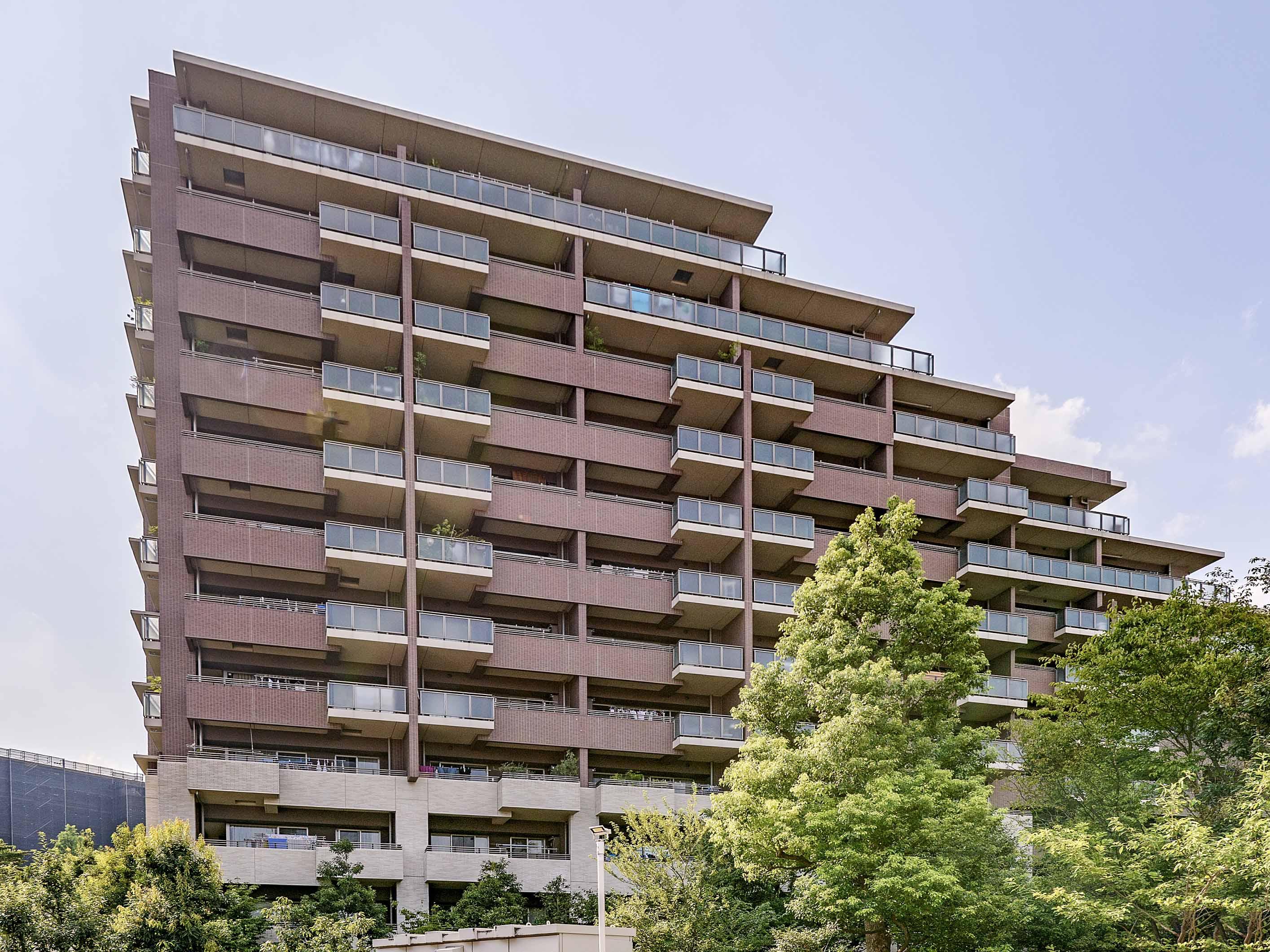 東京テラスは広大な緑地に佇む1036戸の超大規模マンション!