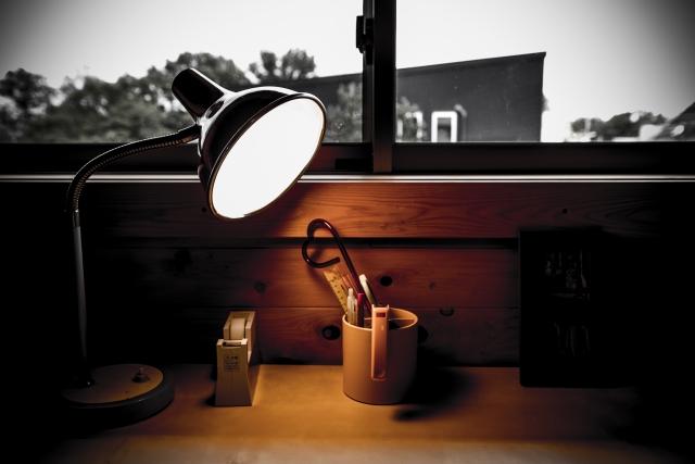 LEDデスクライトの選び方とおすすめ製品を解説!